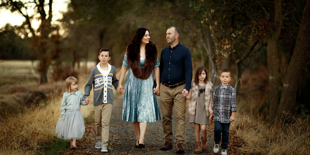 TOP 5 OUTFIT IDEAS FOR FAMILY PICTURES